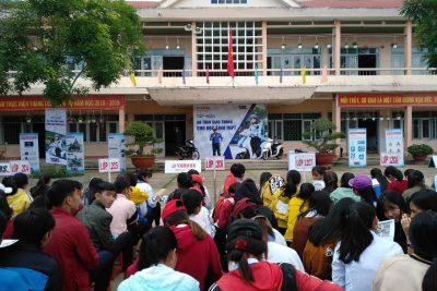 """Đoàn trường THPT Nguyễn Tất Thành tổ chức chương trình """"Hướng dẫn lái xe an toàn cho học sinh"""""""