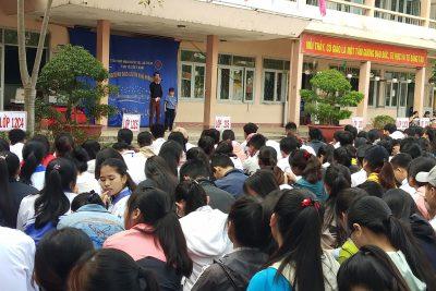 Trường THPT Nguyễn Tất Thành tổ chức giao lưu văn nghệ với đoàn học sinh khuyết tật